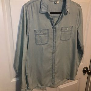 Levi's Tops - Levi's Light Wash Chambray Top